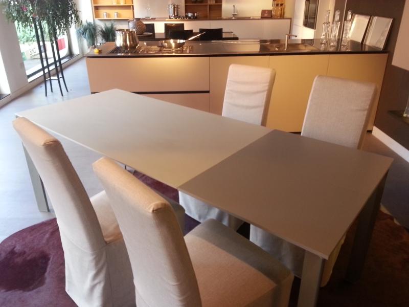 Tavoli allungabili milano offerte tavoli showroom for Tavoli design milano